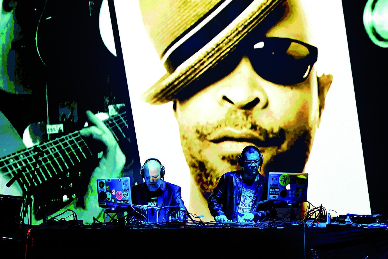 ADDICTIVE TV | FRANK SENT US – Orchestra of samples